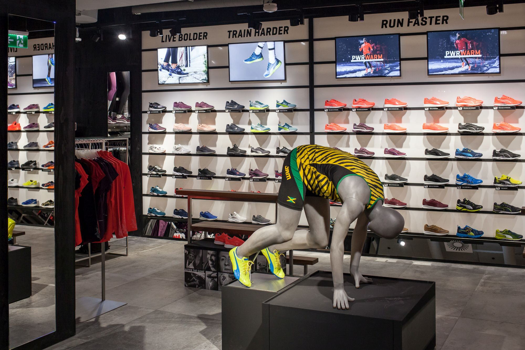 grande vente 3463b b969e PUMA Store in Prague reopens with new Forever Faster store ...